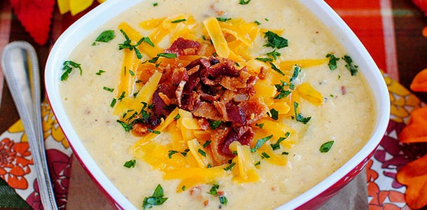 Bacon Cheddar Cauliflower Chowder