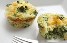 Broccoli & Cheese Mini Egg Omelette Muffins